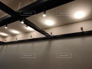天井照明(横)の写真・画像素材[3968513]