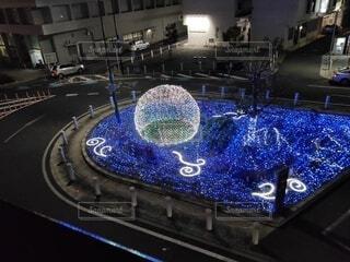 上から見下ろしたクリスマスのライトアップイルミネーションの写真・画像素材[3977958]