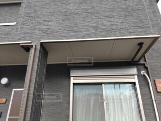 ベランダのオーバーハング(集合住宅)の写真・画像素材[3985139]