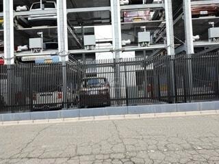 マンションの機械式駐車場の裏側の写真・画像素材[4007874]