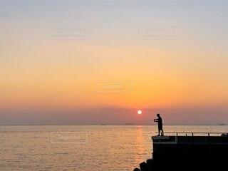海,朝日,釣り人,朝焼け,釣り,お正月,日の出,サンセット,淡路島,新年,初日の出,国内旅行