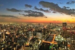 夜の都市の眺めの写真・画像素材[4065108]