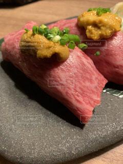 牛ウニ寿司の写真・画像素材[3978971]