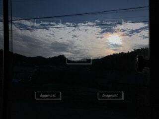 空,屋外,朝日,山,シルエット,正月,お正月,日の出,新年,初日の出,彩雲