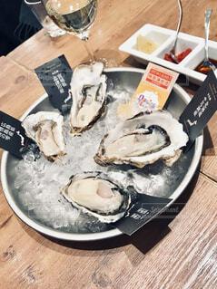 冬の生牡蠣の写真・画像素材[3990717]