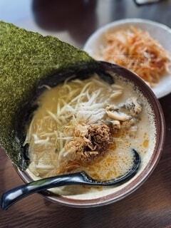 江戸前味噌ラーメンのネギ別皿での写真・画像素材[4012374]