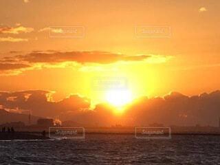 海,空,日の出