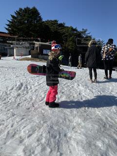 風景,空,冬,雪,人物,人,運動,スノーボード,斜面,ウィンタースポーツ