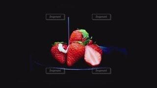 スイーツ,アート,いちご,苺,デザート,フルーツ,果物,芸術,果実,甘い,ベリー,美味しい,ストロベリー,練乳,フレッシュ,イチゴ,あまおう,ムーディー,かける,果肉,カット苺