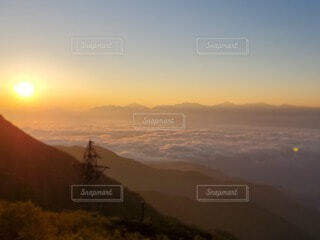 風景,空,雪,屋外,朝日,雲,山,正月,雲海,お正月,日の出,新年,初日の出,山腹
