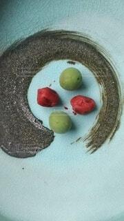 青梅と梅干しの写真・画像素材[4387752]