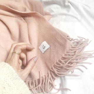 新しいピンクのマフラーの写真・画像素材[4082303]