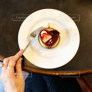 ハートのチョコレートケーキは甘酸っぱかったの写真・画像素材[4103893]
