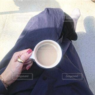 おうちのテラスでコーヒータイムの写真・画像素材[4197821]