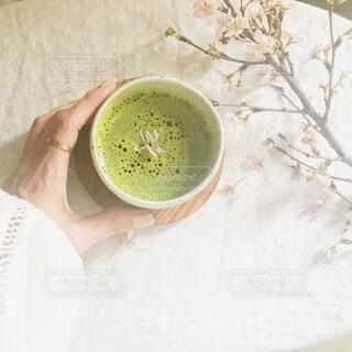 おうちで桜とお抹茶でお花見タイムの写真・画像素材[4282823]