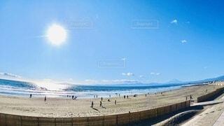 自然,風景,海,空,富士山,屋外,太陽,朝日,砂,ビーチ,青空,水面,海岸,日差し,光,正月,ブルー,お正月,日の出,湘南,新年,初日の出,nature,鵠沼海岸,ocean,鵠沼