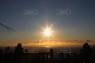 空,屋外,太陽,朝日,雲,きれい,綺麗,めでたい,正月,お正月,日の出,明るい,新年,初日の出,キレイ