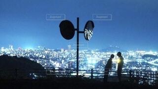 <夜景の2人>の写真・画像素材[4017448]