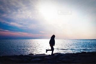 夕暮れを駆けるの写真・画像素材[4192451]