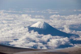ふわふわ雲の写真・画像素材[4252776]