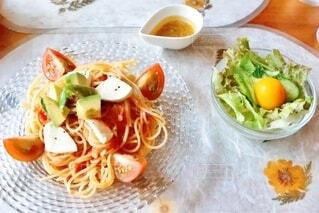 夏野菜の冷製パスタの写真・画像素材[4660953]