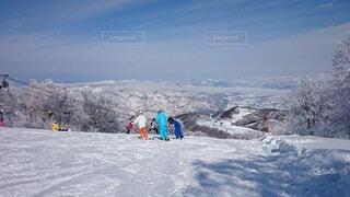 雪,屋外,山,丘,スキー,ゲレンデ,スノーボード,ウインタースポーツ,スキーリゾート,スキーヤー