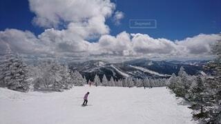 自然,空,冬,雪,屋外,雲,山,スキー,運動,ゲレンデ,スノーボード,ウィンタースポーツ,日中,スキーリゾート