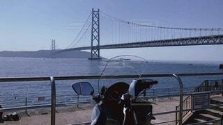 海,空,橋,屋外,ビーチ,晴れ,バイク,水面,ドライブ,淡路島,明石海峡大橋,ツーリング,眺め,日中,ビックスクーター,バイク女子