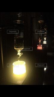 屋内,アート,ガラス,キャンドル,ランプ,芸術,食器,ワイン,ボトル,グラス,明るい,ドリンク,緑茶,ワイングラス,ほうじ茶,水出し,水出し茶