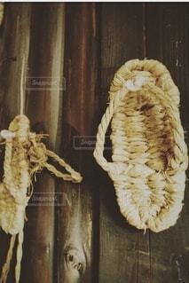 靴,木,壁,昔,わらじ,履物,履き物,草鞋,昔の人,ワラジ