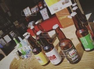 屋内,瓶,ワイン,ボトル,ビール,ドリンク,テキスト,ビール瓶,ソフトド リンク