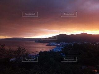 自然,風景,海,空,太陽,夕暮れ,水面,山,港町