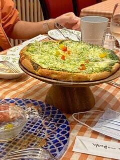 食べ物,食事,テーブル,皿,料理,誕生日,コース料理,ピザ