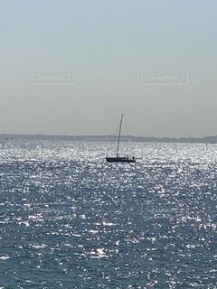 光輝く海の写真・画像素材[4189099]