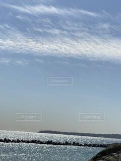 自然,風景,海,空,雲,水面,反射,光,半島,岩礁,津久井浜,光輝く海