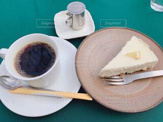 食べ物,カフェ,コーヒー,デザート,テーブル,スプーン,皿,食器,カップ,紅茶,cafe,菓子,調理器具,ファストフード,スナック,コーヒー カップ,受け皿