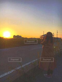 黄金色の夕日の写真・画像素材[4310607]
