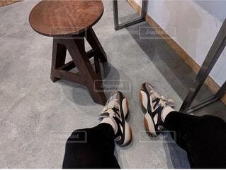 靴,屋内,サンダル,レトロ,椅子,床,家具,スニーカー,雰囲気,ハイヒール,イス,シューズ,履物,フィート,ブート