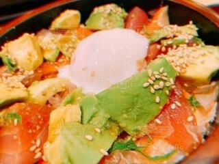 緑,黄色,オレンジ,アボカド,卵,丼,サーモン,美味,フィルター