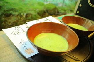 食べ物,緑,ジュース,抹茶,テーブル,スプーン,癒し,カップ,ドリンク,日本茶,調理器具