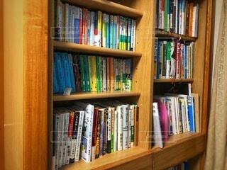 屋内,本,図書館,棚,家具,本棚,コレクション,小説,テキスト,単行本,ビジネス本,棚上げ