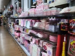 ピンク,棚,市場,雑貨,たくさん,マーケット,スーパーマーケット,スーパー,グッズ,販売,ストア,原,価格表示,春のグッズ
