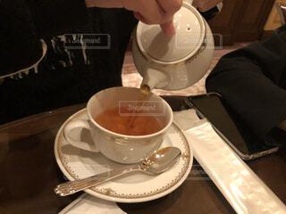 紅茶を注ぐの写真・画像素材[4314017]