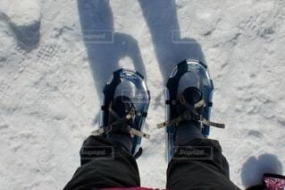 雪,屋外,晴れ,ウォーキング,北海道,雪原,トレッキング,人,旅行,地面,知床,フレペの滝,履物,スノーシュー