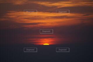 自然,空,屋外,太陽,朝日,雲,旅行,正月,お正月,日の出,新年,初日の出,朝の赤い空