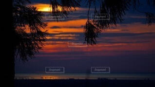 自然,風景,海,空,太陽,朝日,雲,水面,山,景色,朝焼け,正月,お正月,日の出,新年,初日の出