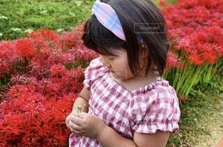 子ども,風景,花,屋外,少女,幼児,草木