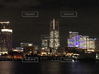夜,夜景,高層ビル,横浜,みなとみらい
