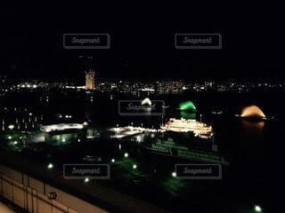 空,夜,水面,都会,高層ビル,明るい