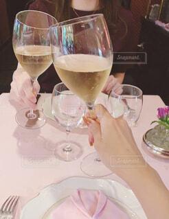 女子会ランチでシャンパンの写真・画像素材[4232698]